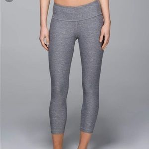 Lululemon Grey Cropped Leggings Wonder Under